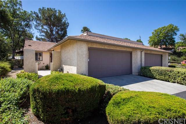20008 Avenue Of The Oaks, Newhall, CA 91321 (#SR19216787) :: Allison James Estates and Homes