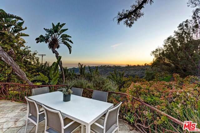 3193 Benedict Canyon Drive, Beverly Hills, CA 90210 (#19510208) :: Millman Team