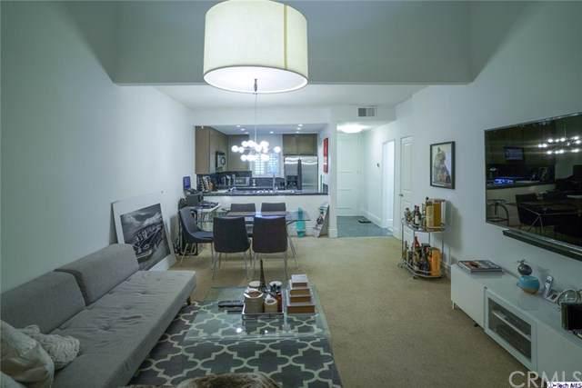 3480 Barham Boulevard #323, Los Angeles (City), CA 90068 (#319003188) :: Heller The Home Seller