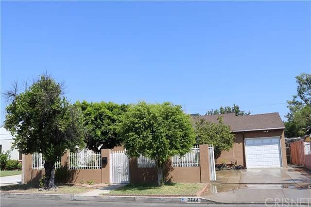 7744 Radford Avenue, North Hollywood, CA 91605 (#SR19219789) :: Team Tami