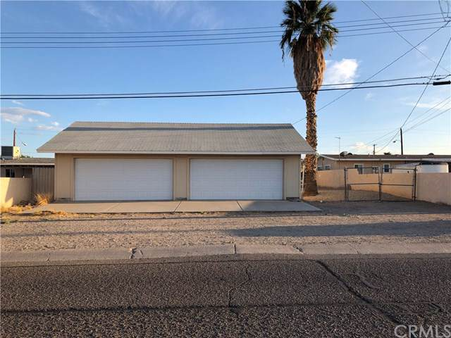 1915 Luna Vista, Needles, CA 92363 (#JT19218723) :: Fred Sed Group