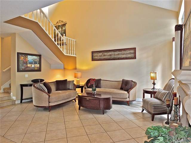 631 Wakefield Court #102, Long Beach, CA 90803 (#PW19220333) :: RE/MAX Masters