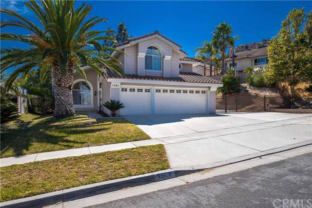 1501 San Clemente Lane, Corona, CA 92882 (#IG19175136) :: Doherty Real Estate Group