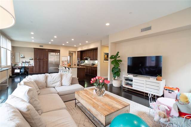 6241 Crescent Park West W #304, Playa Vista, CA 90094 (#SB19221740) :: Team Tami