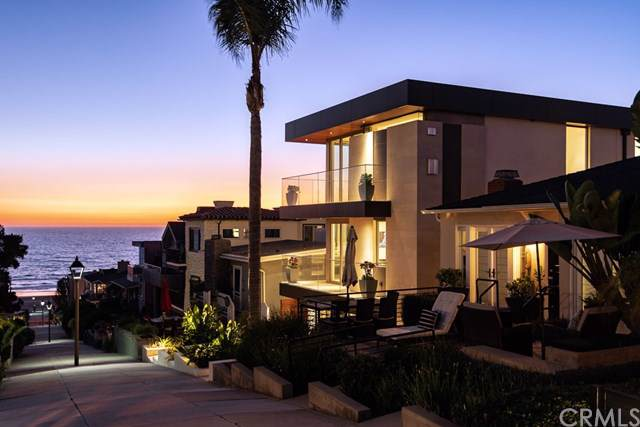 221 19th Street, Manhattan Beach, CA 90266 (#SB19223059) :: The Miller Group