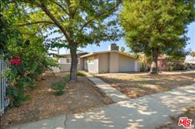 14912 Chatsworth Street, Mission Hills (San Fernando), CA 91345 (#19514396) :: Rogers Realty Group/Berkshire Hathaway HomeServices California Properties