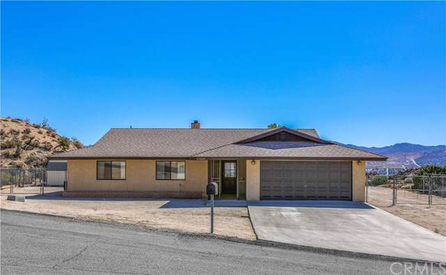 57005 Pinto Court, Yucca Valley, CA 92284 (#JT19233614) :: Go Gabby