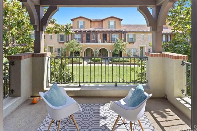 700 E Valencia Street, Anaheim, CA 92805 (#PW19228833) :: Team Tami