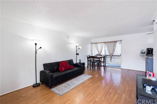 23515 Lyons Avenue S15, Valencia, CA 91355 (#PW19232736) :: Sperry Residential Group