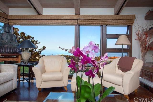 1019 Emerald Bay, Laguna Beach, CA 92651 (#LG19233813) :: Doherty Real Estate Group