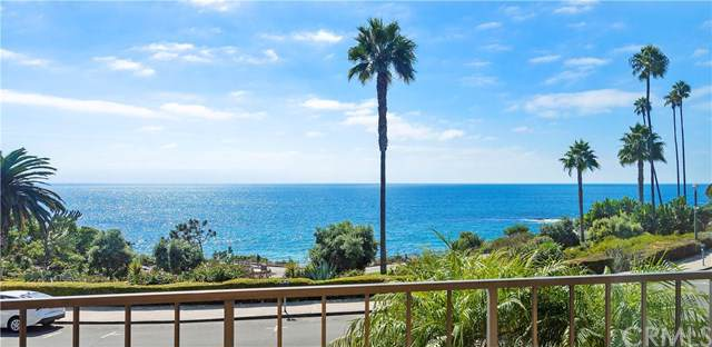 530 Cliff Drive #103, Laguna Beach, CA 92651 (#LG19239005) :: The Danae Aballi Team