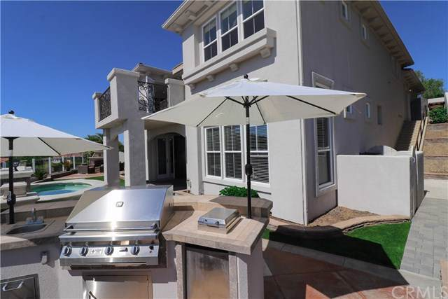 8 Sunset Cove, Newport Coast, CA 92657 (#NP19238488) :: Brandon Hobbs Group
