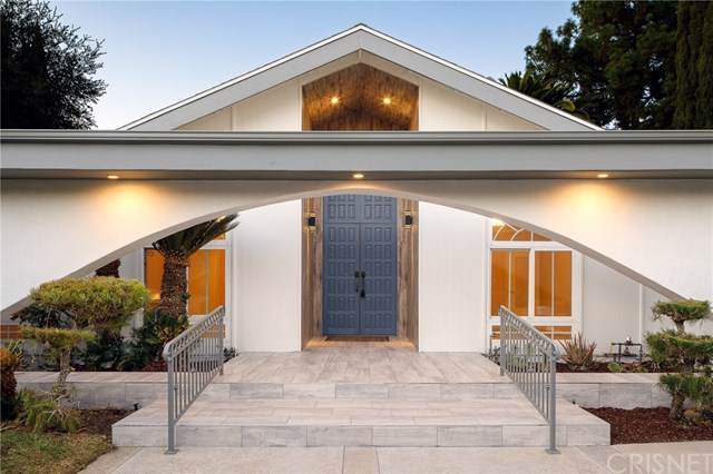 19553 Bermuda Street, Porter Ranch, CA 91326 (#SR19238594) :: The Parsons Team