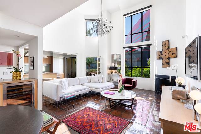 720 Huntley Drive #204, West Hollywood, CA 90069 (#19520832) :: The Miller Group