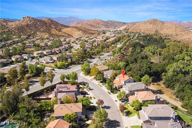 32504 Sprucewood Way, Lake Elsinore, CA 92532 (#IG19248086) :: Allison James Estates and Homes