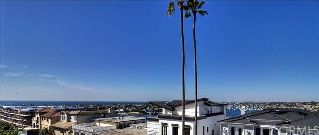 2500 Seaview Avenue, Corona Del Mar, CA 92625 (#NP19250885) :: Sperry Residential Group