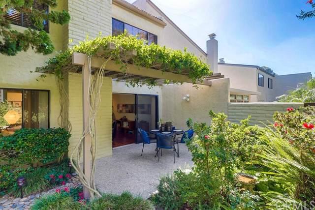 8806 Caminito Sueno, La Jolla, CA 92037 (#ND19251765) :: The Brad Korb Real Estate Group