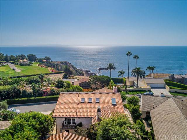 2960 Via Alvarado, Palos Verdes Estates, CA 90274 (#SR19249508) :: Veléz & Associates