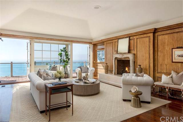 1121 Emerald Bay, Laguna Beach, CA 92651 (#LG19195321) :: Doherty Real Estate Group
