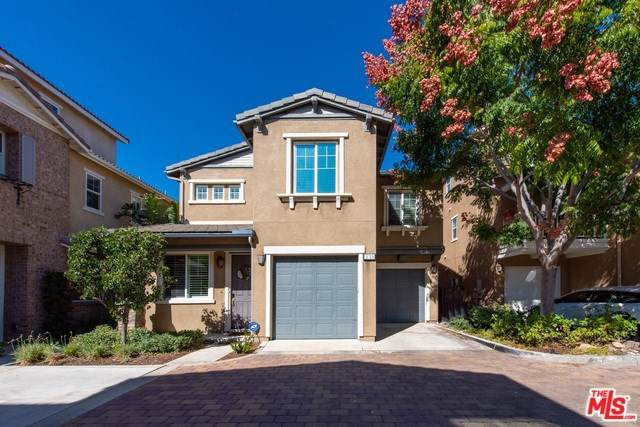 235 W Pebble Creek Lane, Orange, CA 92865 (#19525954) :: Fred Sed Group
