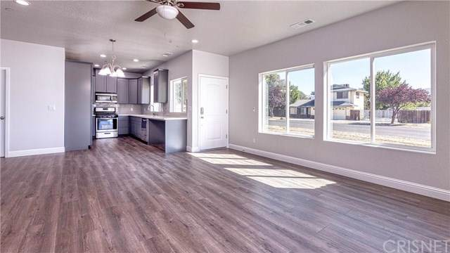 19700 Breeze Place, Tehachapi, CA 93561 (#SR19256461) :: J1 Realty Group