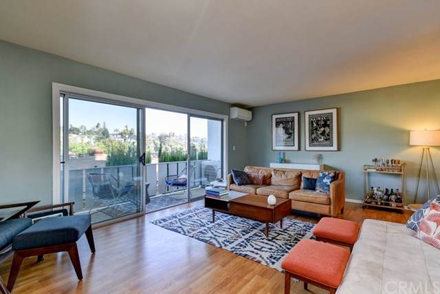 4343 Finley Avenue #6, Los Angeles (City), CA 90027 (#OC19257993) :: Pacific Playa Realty