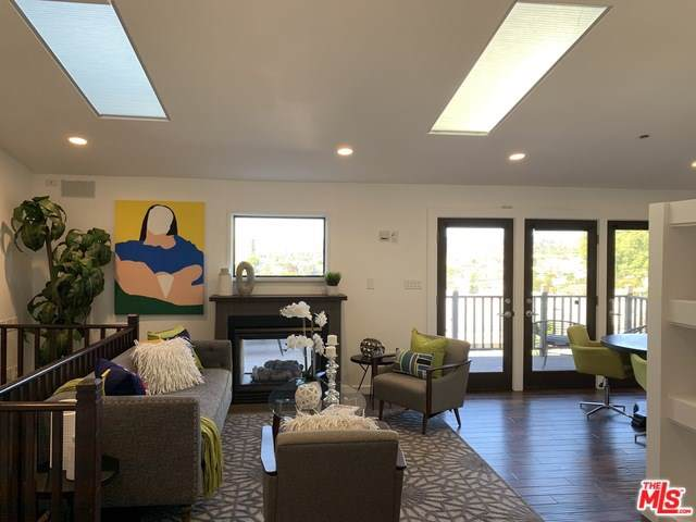 1514 Sanborn Avenue, Los Angeles (City), CA 90027 (#19527692) :: Allison James Estates and Homes