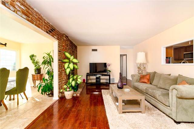 22148 Burton Street, Canoga Park, CA 91304 (#IV19260387) :: Allison James Estates and Homes
