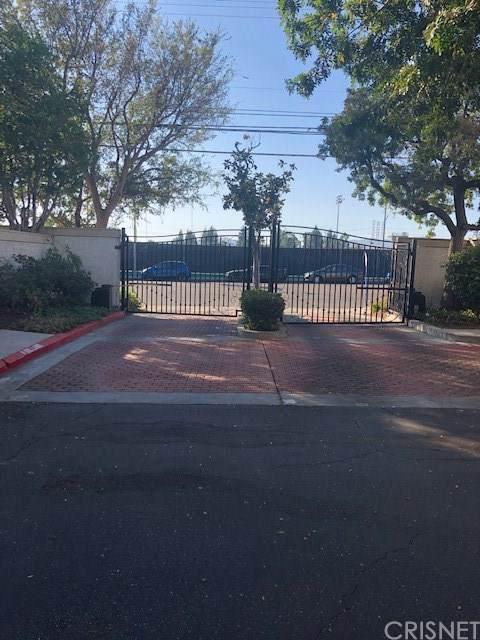 10410 Zelzah Avenue C, Northridge, CA 91326 (#SR19261604) :: Fred Sed Group