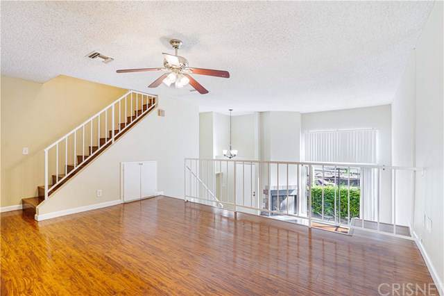 23021 Del Valle Street #5, Woodland Hills, CA 91364 (#SR19261967) :: J1 Realty Group
