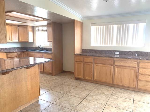13593 1st Avenue, Victorville, CA 92395 (#SB19264245) :: Realty ONE Group Empire