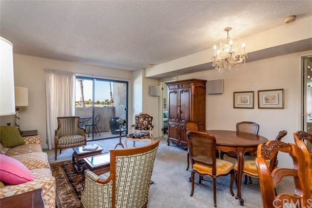2309 E 17TH Street #205, Long Beach, CA 90804 (#OC19268051) :: Allison James Estates and Homes
