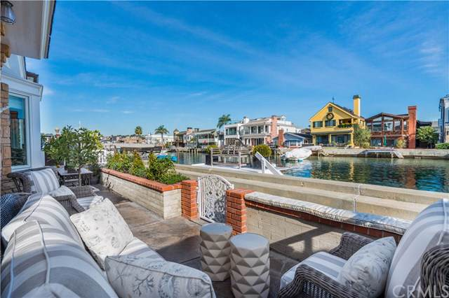 113 Grand Canal, Newport Beach, CA 92662 (#NP19274873) :: Sperry Residential Group