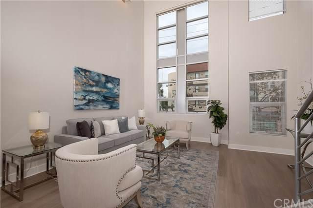 734 N Santiago Street, Santa Ana, CA 92701 (#OC19274131) :: Allison James Estates and Homes