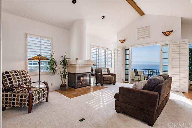 4216 Highland Avenue H, Manhattan Beach, CA 90266 (#SB19276572) :: J1 Realty Group