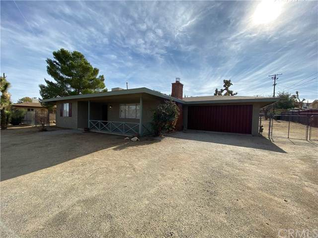 56579 Mountain View, Yucca Valley, CA 92284 (#JT19276369) :: The Laffins Real Estate Team