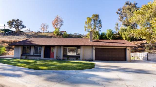 28351 Winterdale Drive, Canyon Country, CA 91387 (#SR19278267) :: The Brad Korb Real Estate Group
