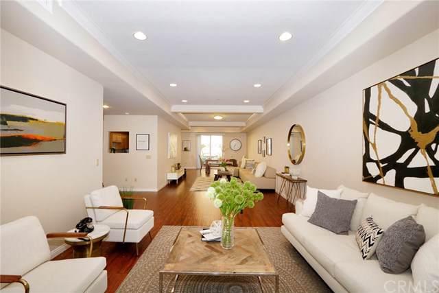 3974 Pennsylvania Avenue #112, La Crescenta, CA 91214 (#PW19279473) :: Sperry Residential Group