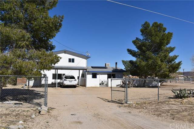 64374 E Broadway, Joshua Tree, CA 92252 (#JT20014458) :: Allison James Estates and Homes