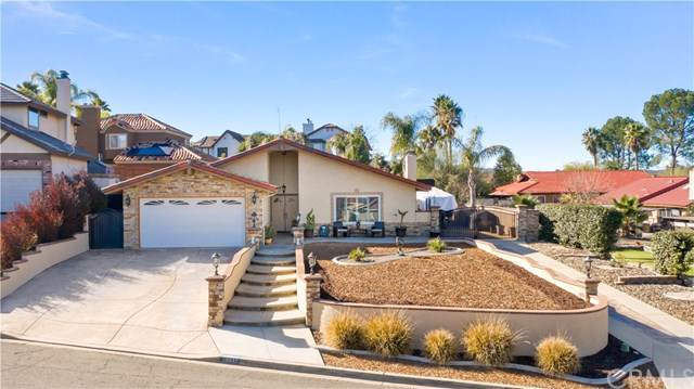 29947 Beacon Court, Canyon Lake, CA 92587 (#SW20015338) :: Team Tami