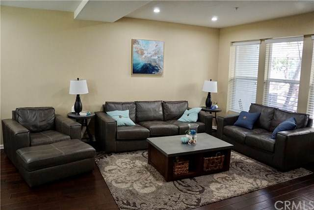 406 E Jeanette Lane, Santa Ana, CA 92705 (#PW20037121) :: Better Living SoCal