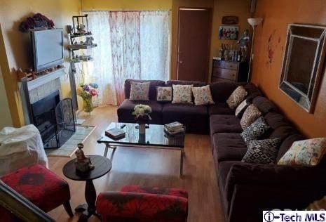 3827 W Avenue 41 #19, Los Angeles (City), CA 90065 (#320000734) :: The Brad Korb Real Estate Group