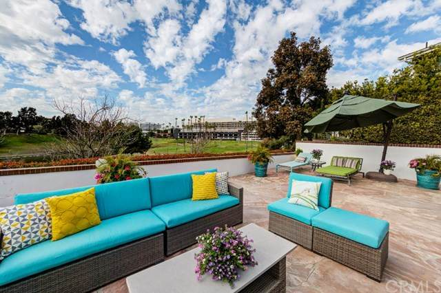 53 W Sausalito Circle, Manhattan Beach, CA 90266 (#SB20043388) :: RE/MAX Empire Properties