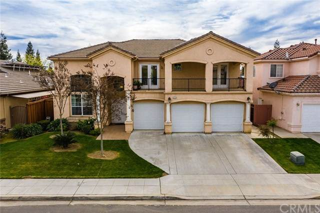 5779 W Bluff Avenue, Fresno, CA 93722 (#PW20049873) :: The Costantino Group | Cal American Homes and Realty