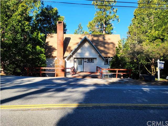 388 Grass Valley Road, Lake Arrowhead, CA 92352 (#PW20062113) :: The Laffins Real Estate Team