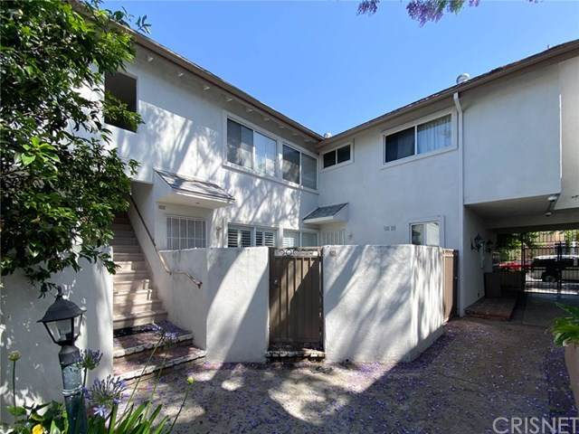 18601 Collins Street D2, Tarzana, CA 91356 (#SR20099116) :: The Costantino Group | Cal American Homes and Realty