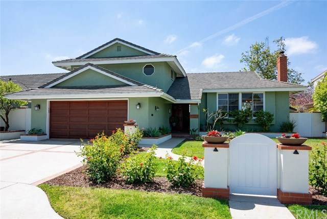 2033 Swan Drive, Costa Mesa, CA 92626 (#PW20102609) :: Sperry Residential Group