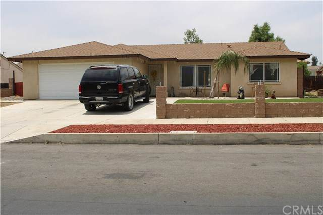 424 S Linden Avenue, Rialto, CA 92376 (#IV20103517) :: A|G Amaya Group Real Estate