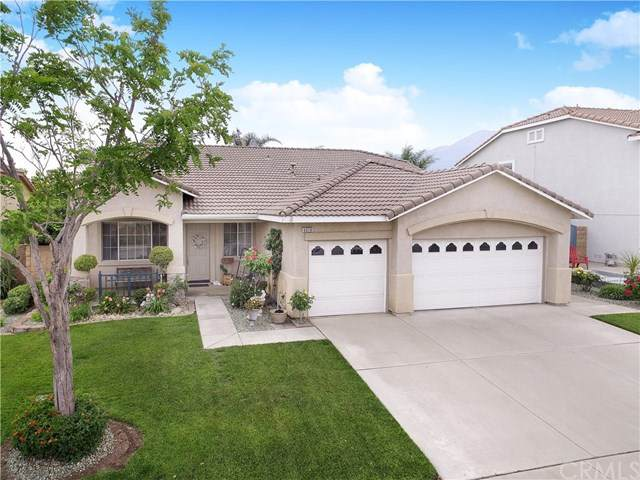 6020 Half Dome Drive, Fontana, CA 92336 (#IG20100918) :: The Costantino Group | Cal American Homes and Realty