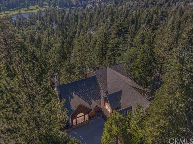 440 Rainier Road, Lake Arrowhead, CA 92352 (#EV20130552) :: The DeBonis Team